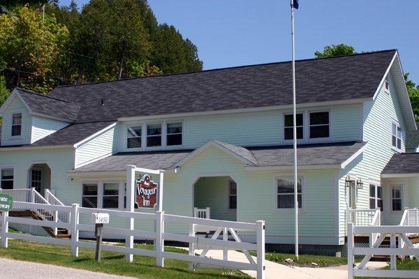 Voyageur Inn